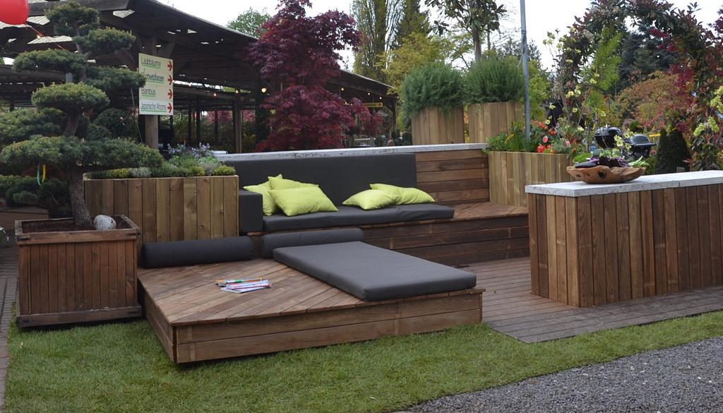 outdoor schrank holz make an awesome outdoor kitchen. Black Bedroom Furniture Sets. Home Design Ideas