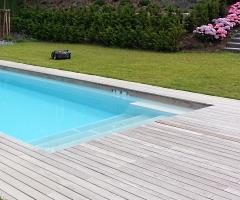Holzterrasse als Umbau eines Pools