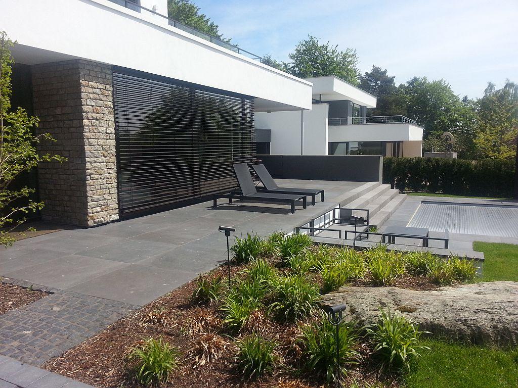 Steinterrassen haufler baumschule und gartengestaltung for Stylische pflanzen