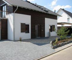Moderner Vorgartenbereich