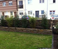 Hochbeet in Vorgarten-Mauer