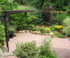 Idealer Ruheplatz in grüner Oase