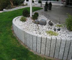 Steinsäulen zur Begrenzung